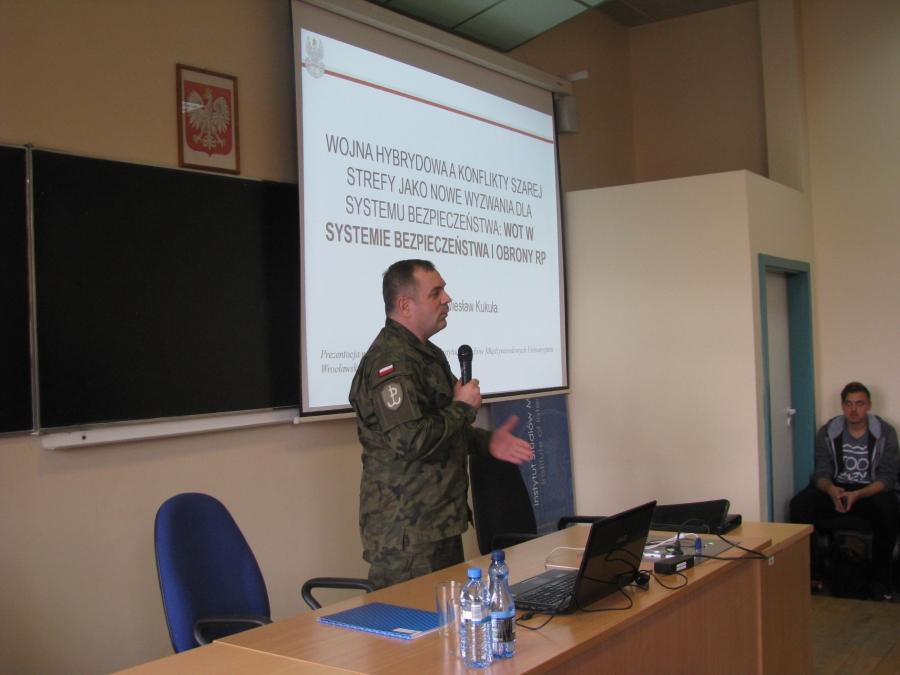 image: Wykład Dowódcy Wojsk Obrony Terytorialnej generała brygady Wiesława Kukuły...
